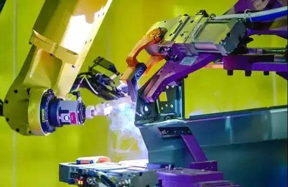 探访通用武汉工厂:满眼机器人,自动化率97%!