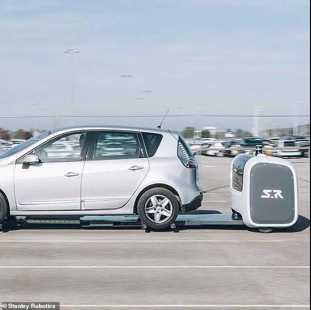 英机场将试点代客泊车机器人 以优化停车场空间